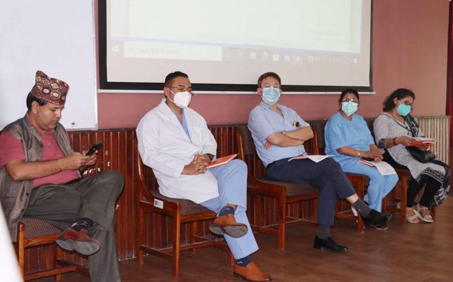 नेपालमै पहिलो पटक केएमसीले सुरु गर्यो 'रोवटिक सर्जरी'