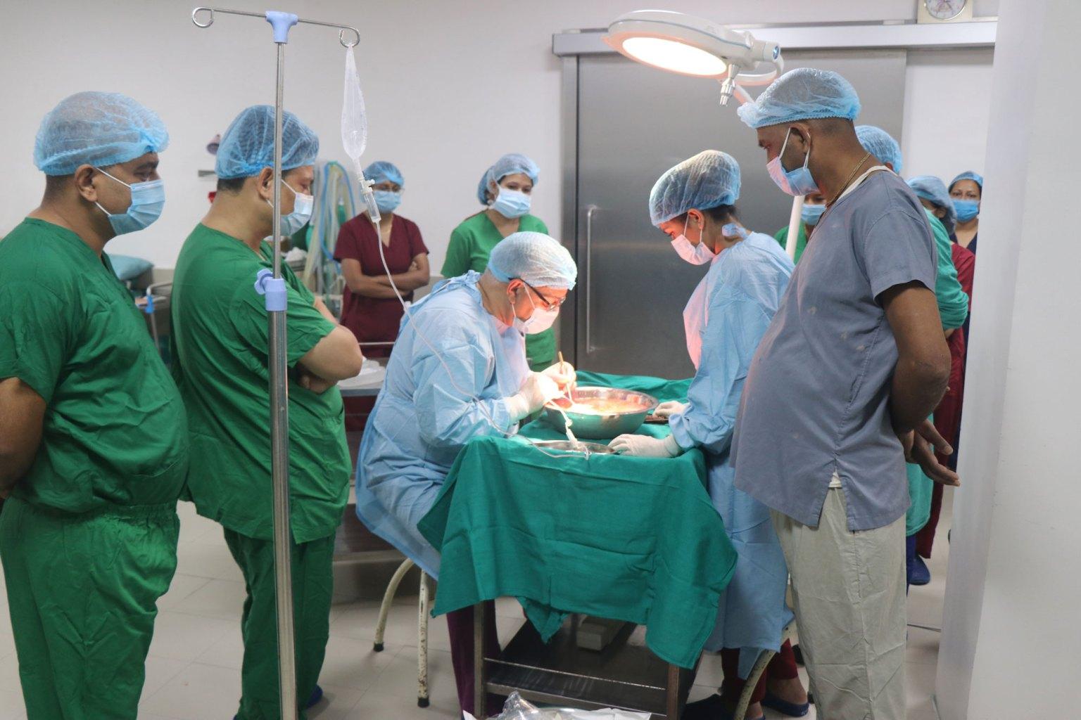 नोवेल अस्पतालमा मृगाैलाकाे सफल प्रत्यारोपण श्रीमतीले दिइन् मृगौला